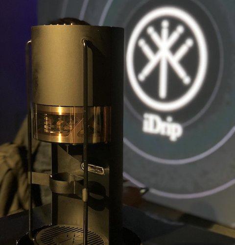 台湾シリアルアントレプレナーJohn氏がAIoTコーヒーマシン『iDrip』を発表