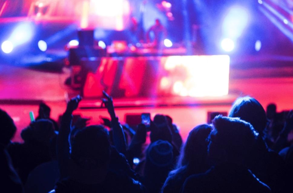 アイドルのライブ