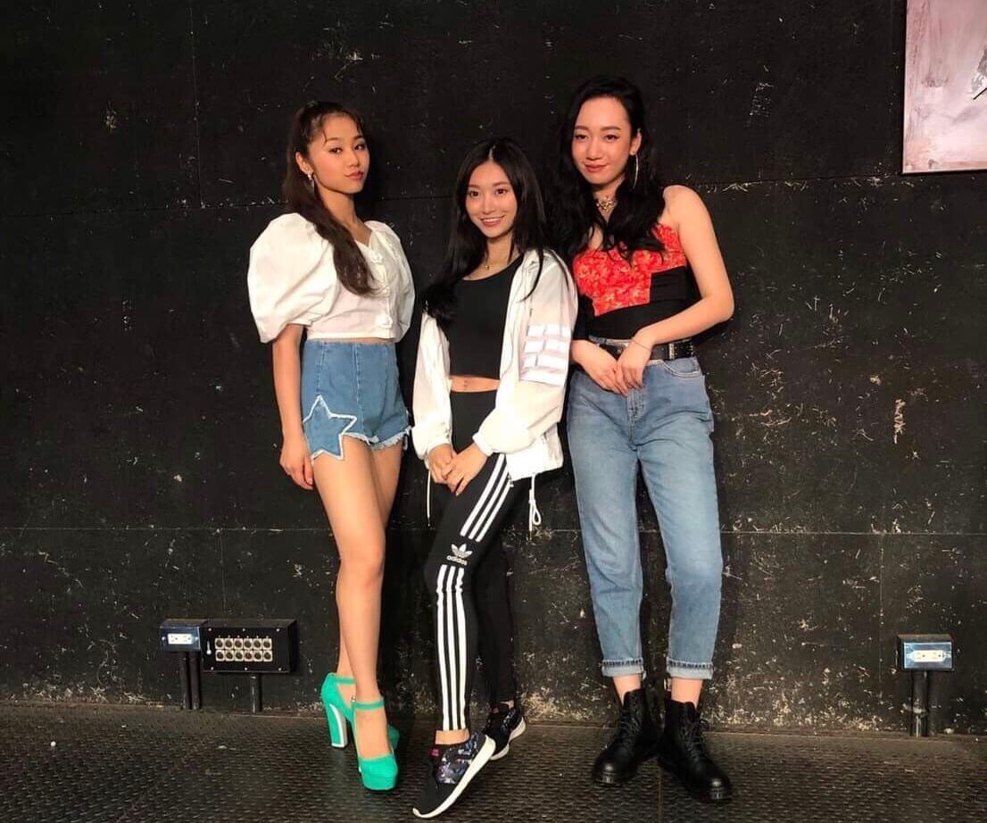 RIRIイベントで台湾インフルエンサーと写真撮影